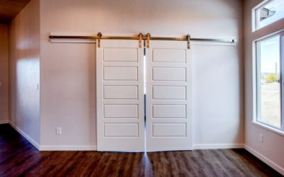 Decorative White Barn Door – Find Out How to Add Charm to Your Home With This Door